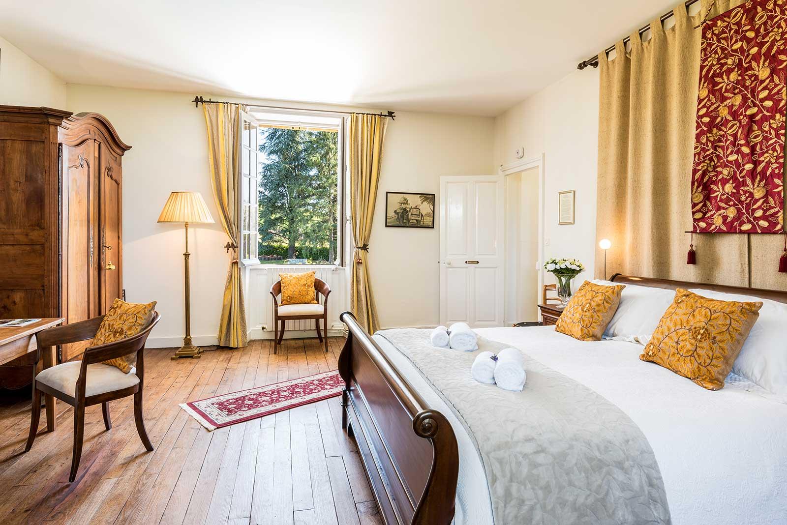 Simpson France bedroom